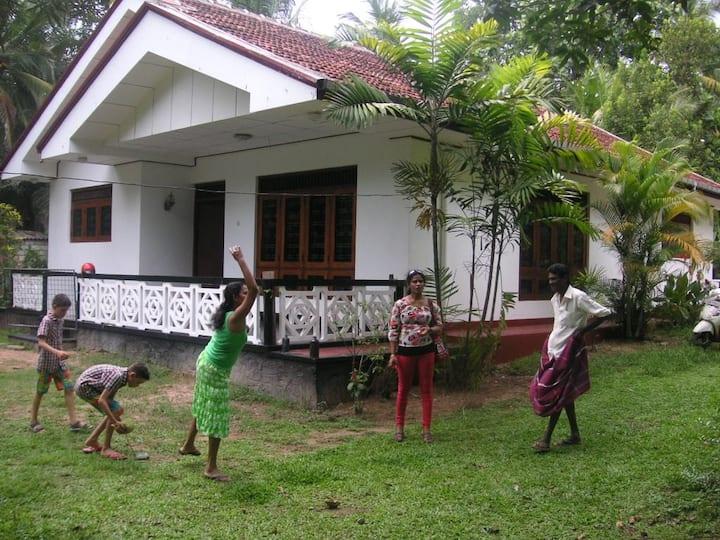 Holidayhouse for six in Moragalla