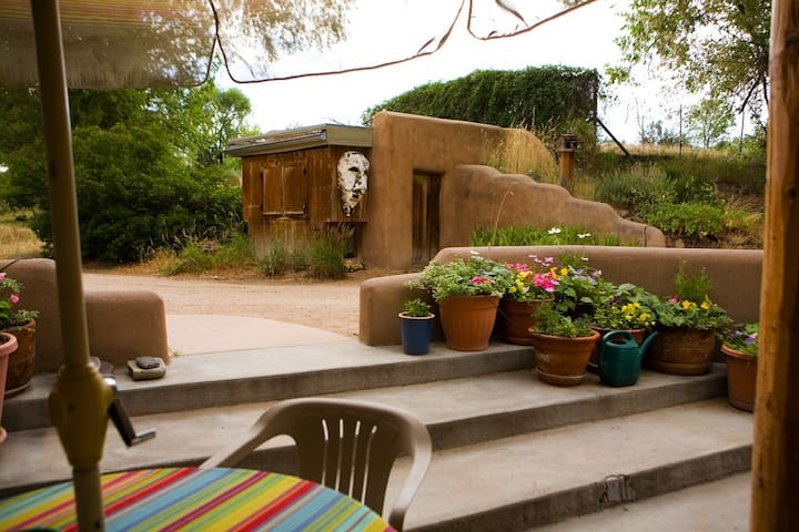 Adobe Farmhouse Holiday Retreat - La Puebla - Casa