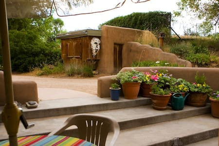 Adobe Farmhouse Holiday Retreat - La Puebla - Huis
