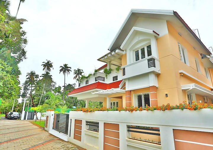 Home Stay in Cochin / budget accommodation