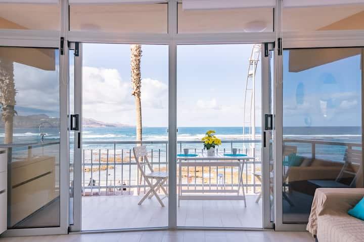 New , confortable beachfront aprtmt