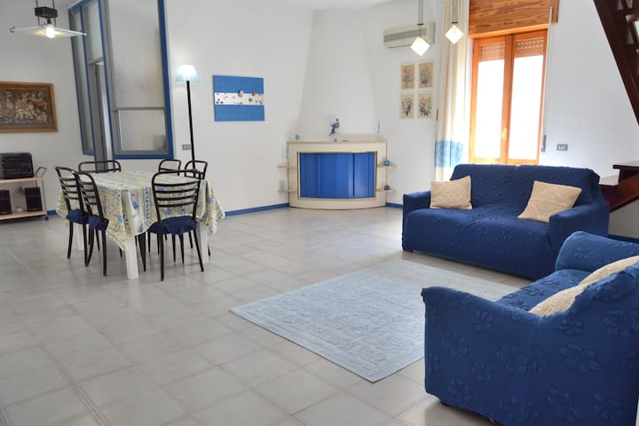 Stylish cozy flat on the seafront of Sant'Antioco