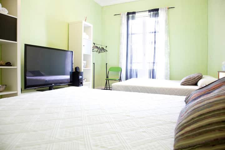 Habitacion amplia y confortable!
