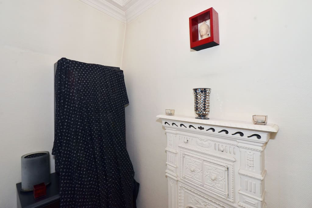 Two rooms,10minutes from the heart