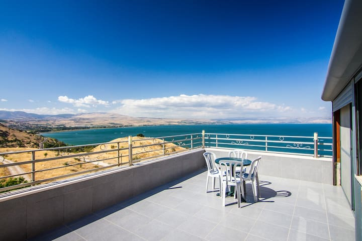 Kinneret Serenity- Luxury apartment