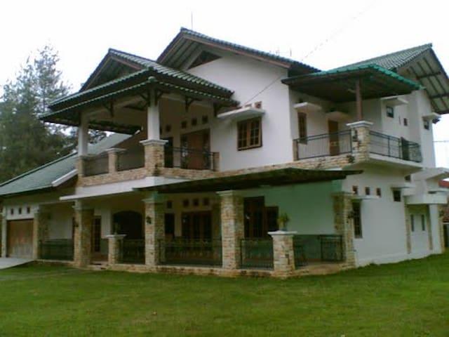 Villa Bella Salabintana - Sukabumi - Rumah