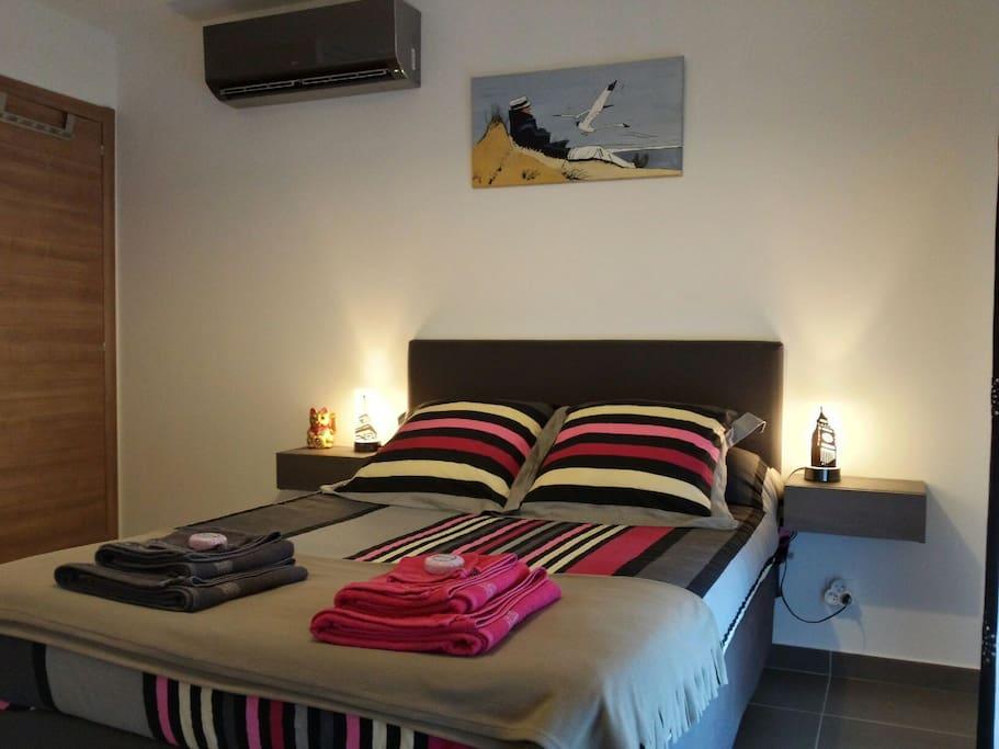 chambre - lit 2 places - 140×190