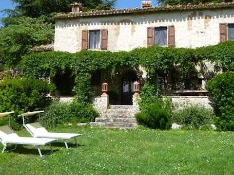 DellaGenga La Pieve Cottage 4-7 pax