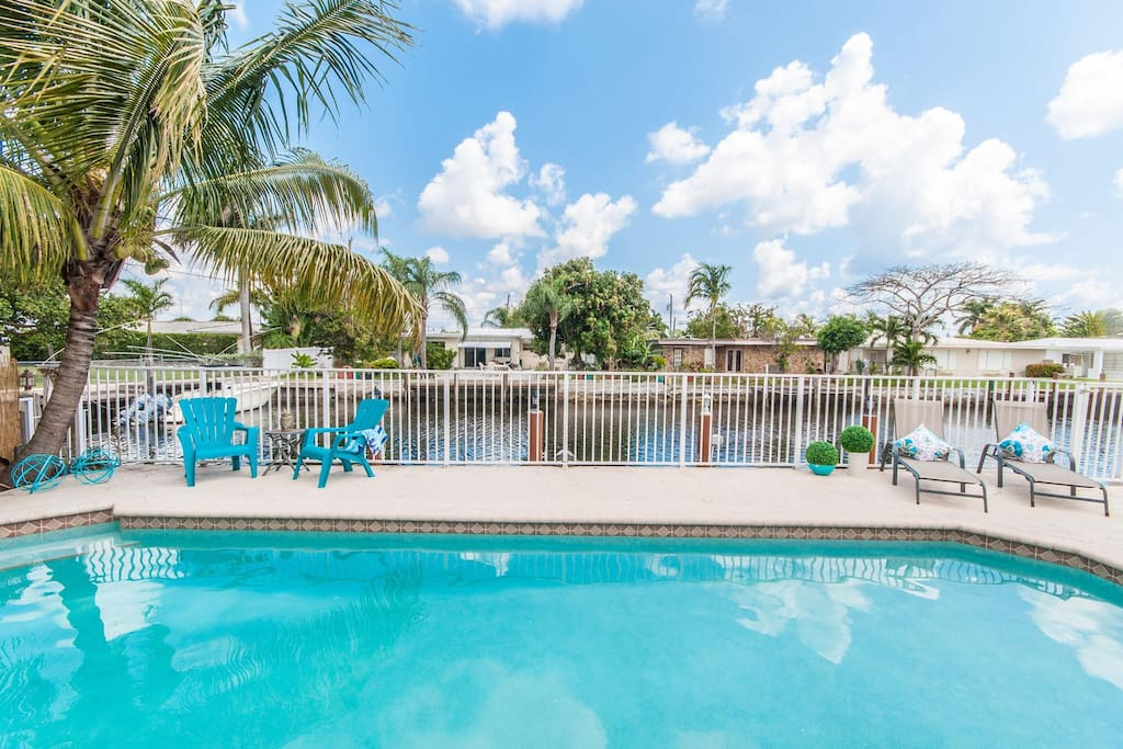 Vacation rental gizmo welcomes you to vacation home rental Pompano Isles in Fort Lauderdale!