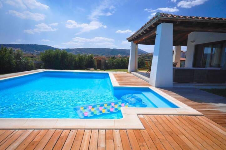 Villa Capannizza ,with private pool - Budoni - Casa