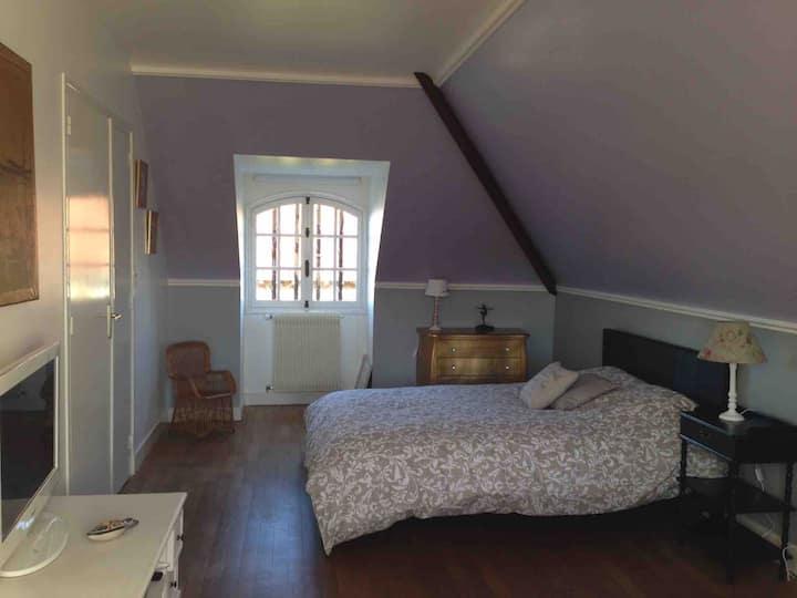 Grande chambre dans ma maison,  gare,  JACUZZI