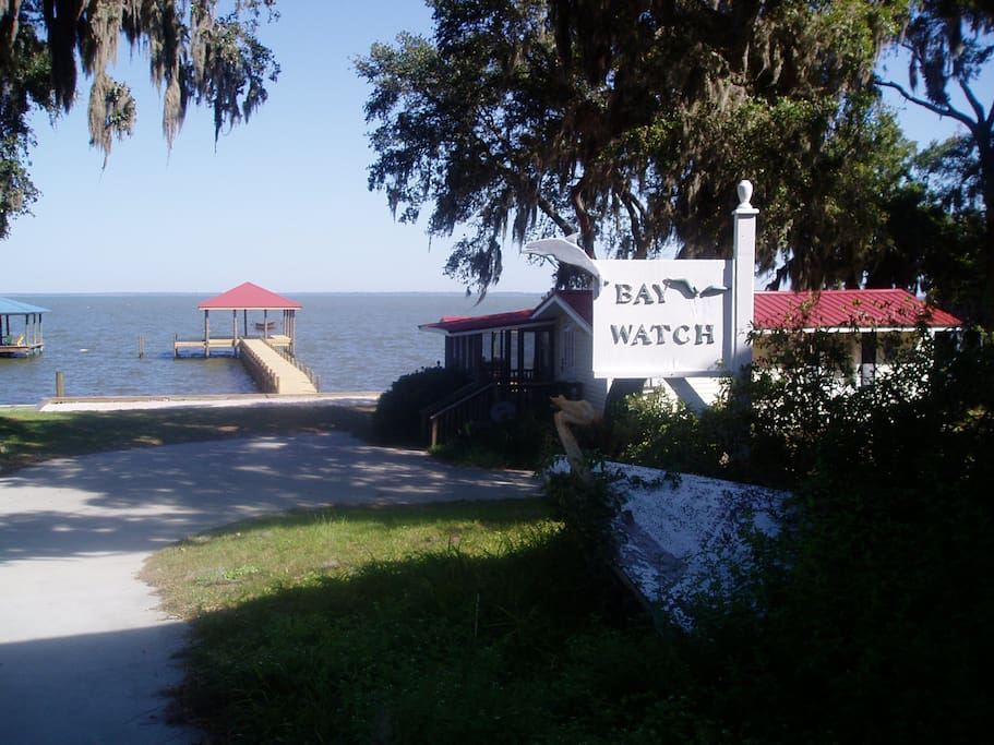 Baywatch Cottage Bungalows For Rent In Gulf Shores