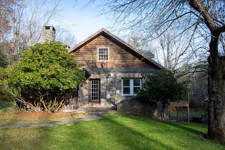Stone House, Lower Level, in the Poconos