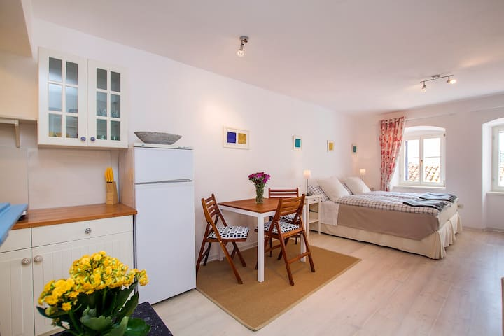 Comfortable studio in old town - Labin - Wohnung