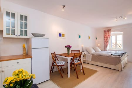 Comfortable studio in old town - Labin