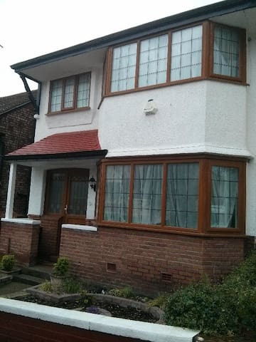 2014 Open Golf 3 Bed with Sea Views - Wallasey