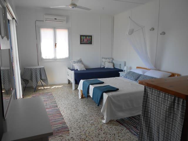 Light & Spacious Apartment in Villa