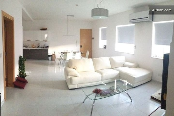 Luxury central top floor apartment - Pieta - Apartament