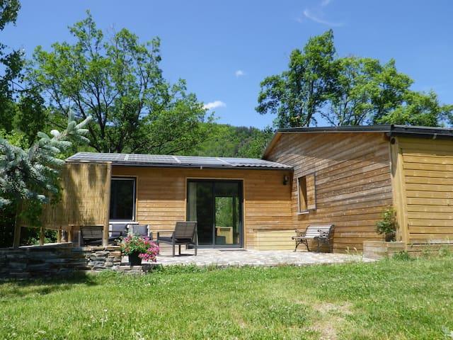 Gîte les 3 chênes ,sauna, piscine , rivière