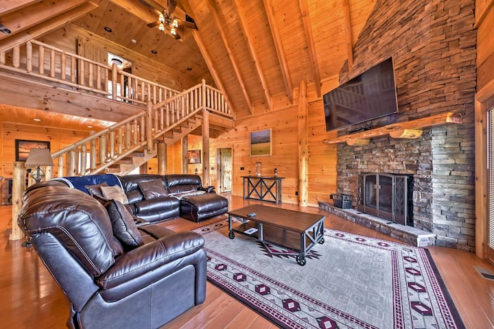 Private 6BR Dobson Cabin w/ Sprawling Mtn Views!