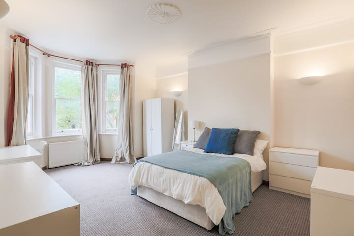 The Cool and Calm Maida Vale Bedroom