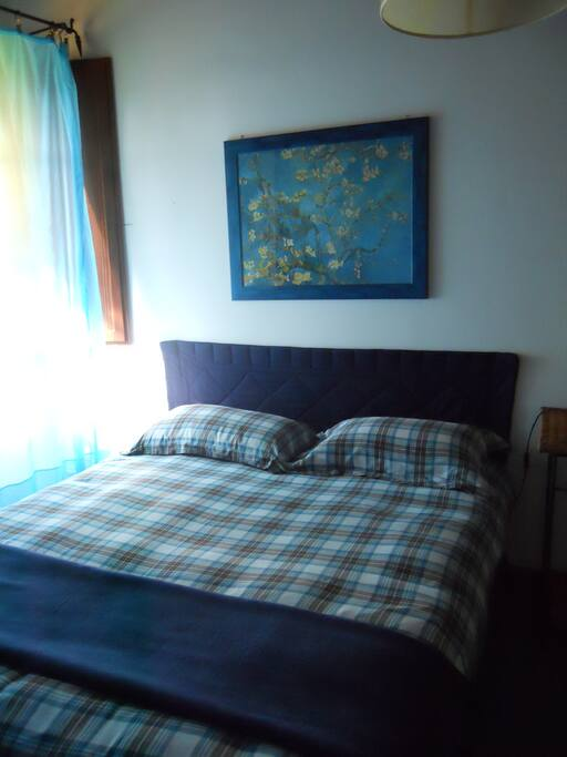 the blue bedroom/ double