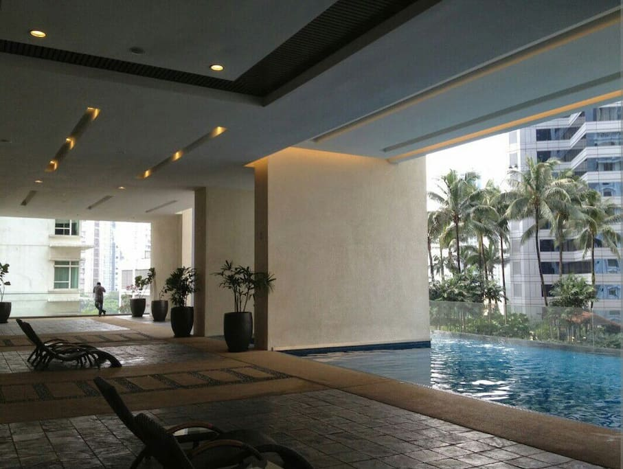 Free swimming pool access at level 6