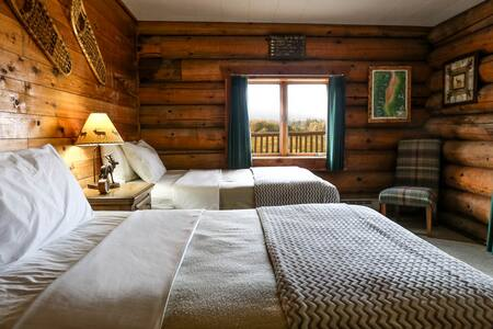 Bitterroot Guest Lodge - Mountain View  (Sleeps 4) - Victor