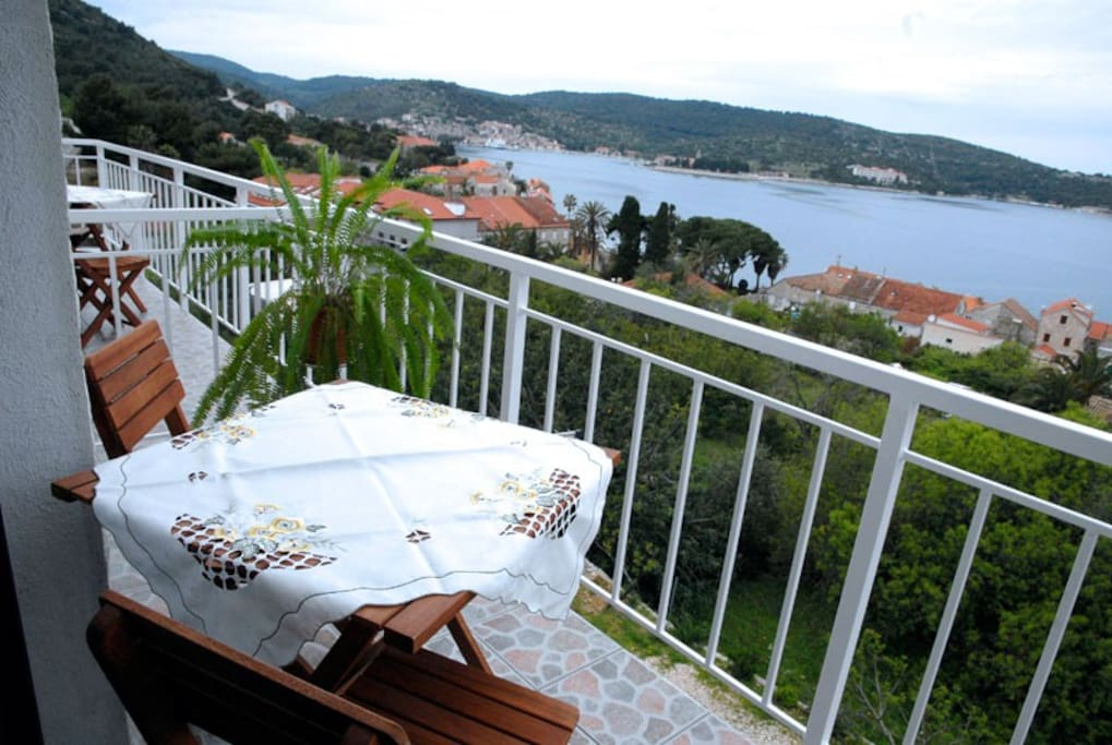 Apartment A-2 balcony with sea view