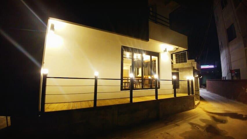 여수 잠자리게스트하우스 - Gwanmunseo 7-gil, Yeosu - Guesthouse