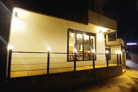 여수 잠자리게스트하우스 - Gwanmunseo 7-gil, Yeosu