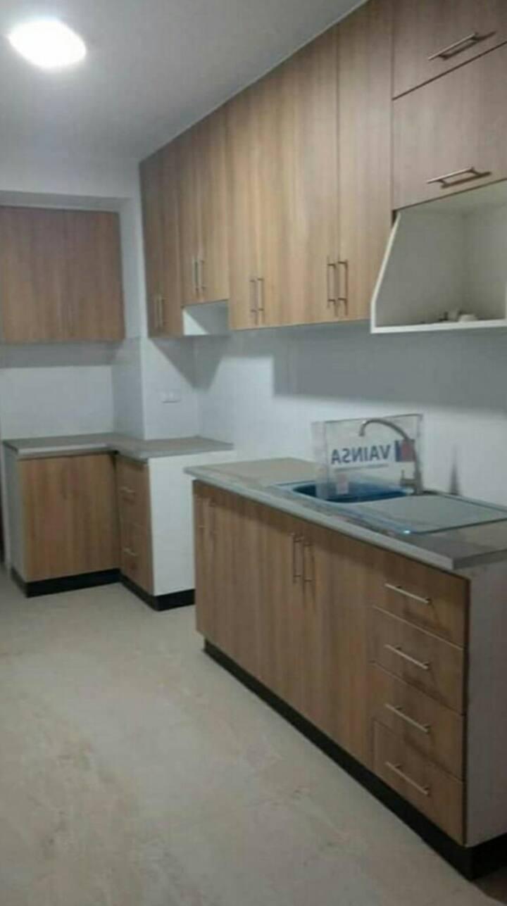 Departamento amplio con 4 habitaciones privados.