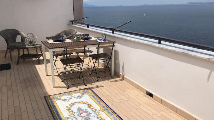 Nice flat with terrace and Seaview
