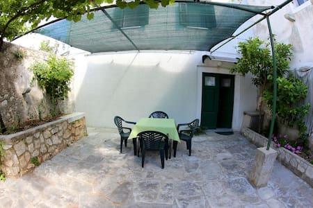 Peaceful apartment Kapar - Silba - Daire