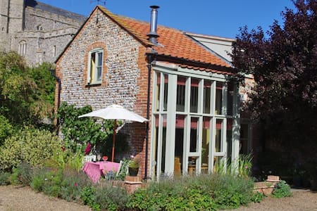 The Gig House Holiday Cottage - Norwich - House