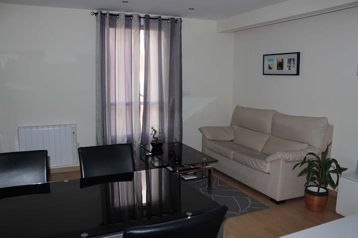 MUY CENTRICO.IMPECABLE.VER FOTOS.   - Ferrol - Appartement