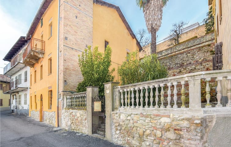 Semi-Detached with 4 bedrooms on 320m² in Murisengo (AL)