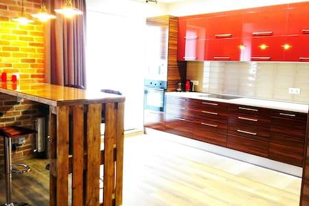 Новый дом,дизайн 2016, Нац.библиотека,метро Восток - Minsk - Apartamento