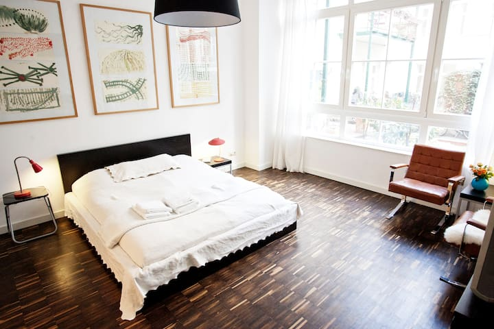 Stylish lodge in the heart of Kreuz - Berlim - Apartamento