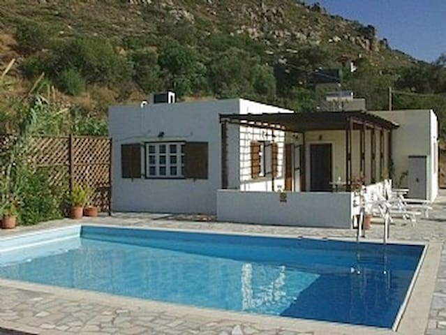 Minoan Villa with private pool - Ierapetra - Casa de camp
