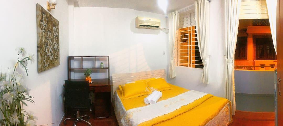 Pineapple House - Queen Room Balcony 1