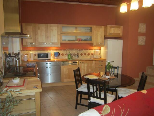 Oh La La!  Oh So Provence! - Sablet - Haus