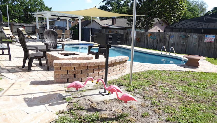 Orlando Area 1/1 Apt Pool Disney Daytona Universal