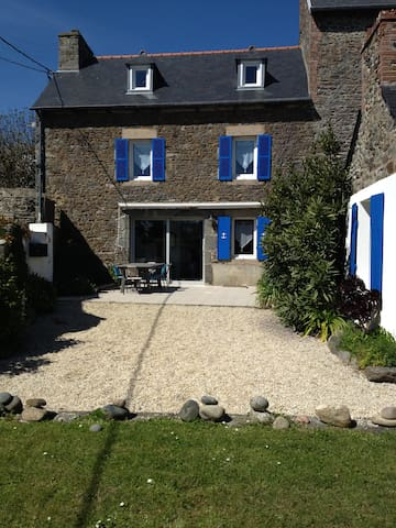 brittany house, 300m form the sea - Saint-Quay-Portrieux - House