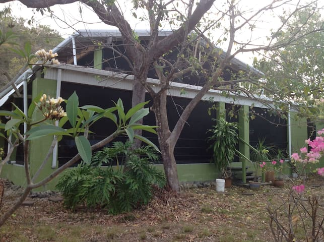 Magnetic Island West Point Thong Tree Beach house - Magnetic Island - บ้าน