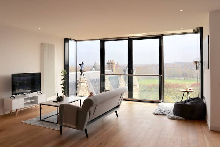2 Bed Apartment with great view City Centre