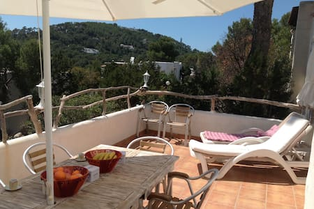 6 people small house & big terrace - Sant Josep de sa Talaia