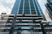 2BR APT located in SouthBank with great CBD view
