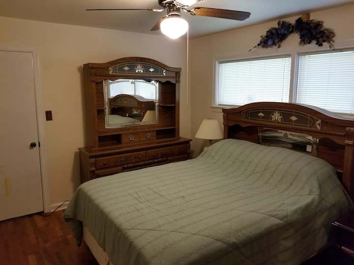 Cozy Home 15 min to FortBenning  2 minutes to i185