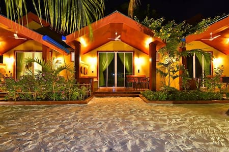 Beach Villa Ukulhas - Honeymoon Bungalow